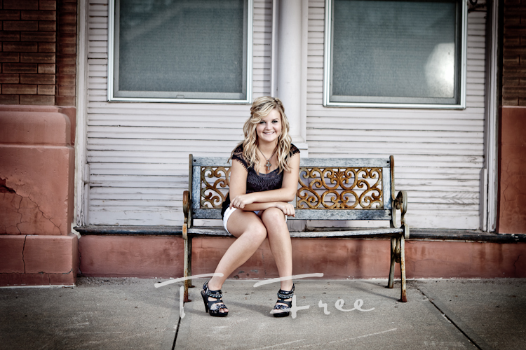 Cool senior girl outdoor picture taken in historic downtown Elkhorn, Nebraska.