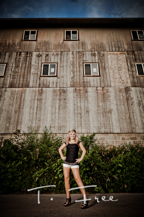Unique wide angle outdoor high school senior girl from Lincoln in Elkhorn, Nebraska.