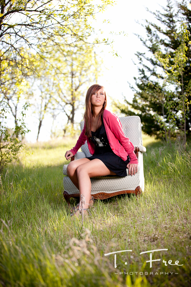 Creative outdoor senior photo session near Omaha Nebraska.
