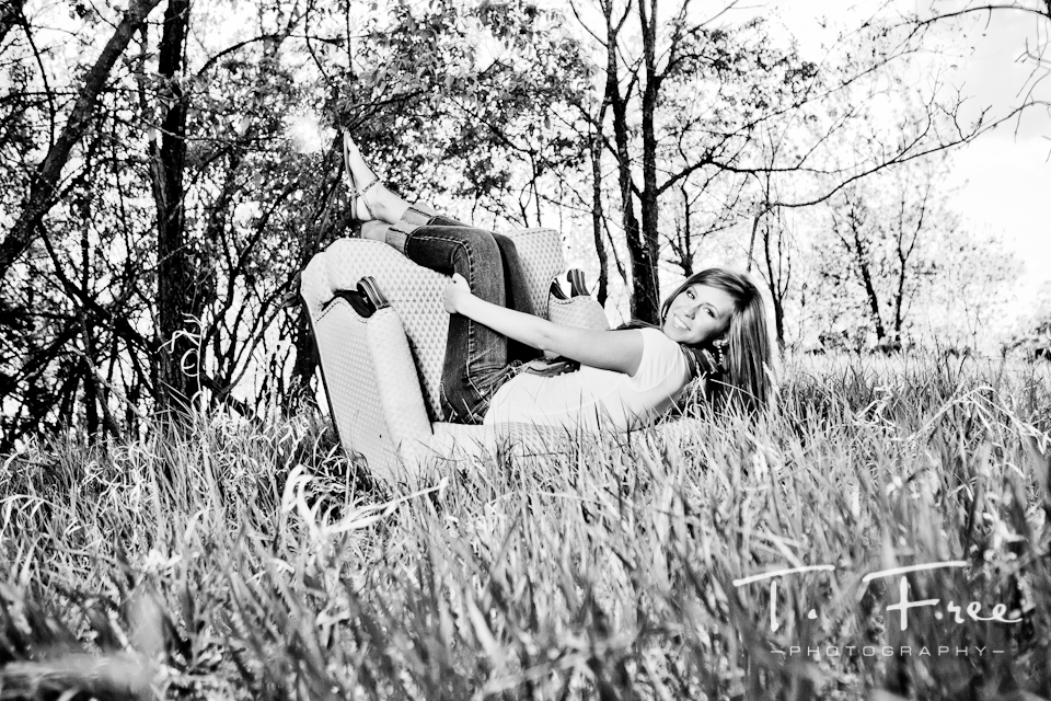 Creative outdoor black and white senior photo session near Omaha Nebraska.