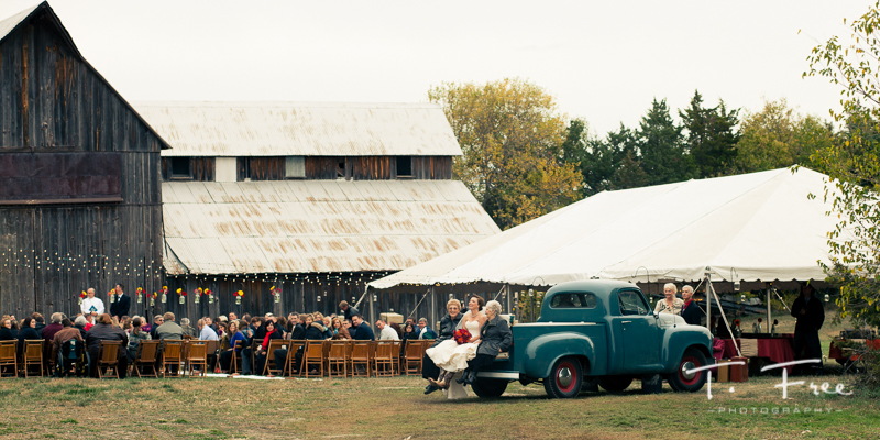 Vintage outdoor Nebraska wedding.