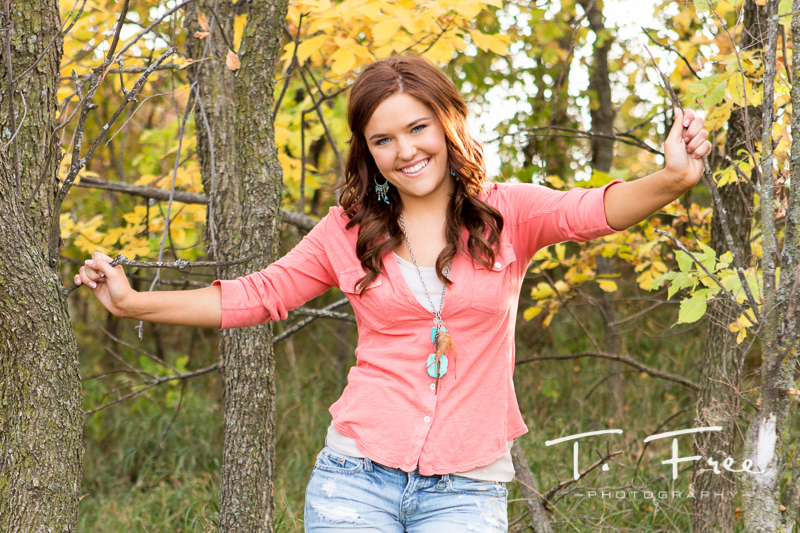 Outdoor fall Omaha senior photographer.