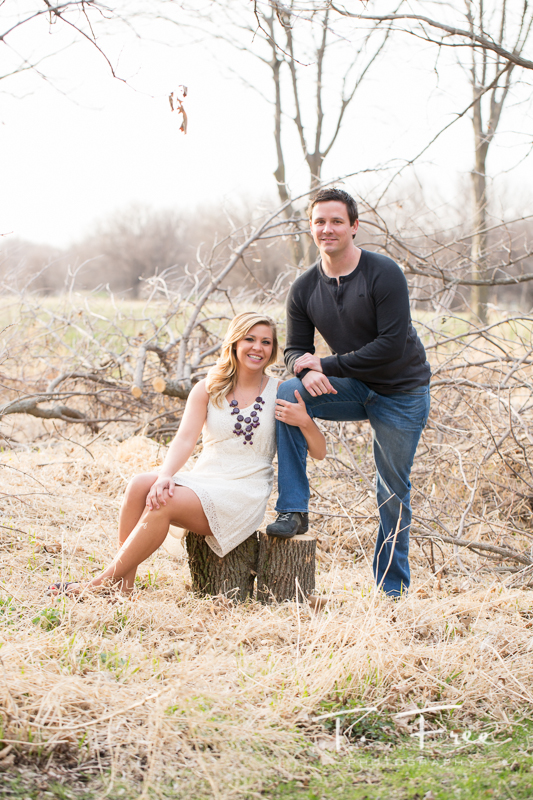 1404_t_free_photography_outdoor_elkhorn_engagement_006