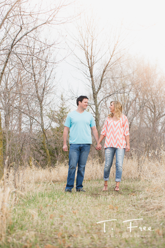 1404_t_free_photography_outdoor_elkhorn_engagement_007