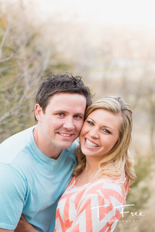 1404_t_free_photography_outdoor_elkhorn_engagement_010