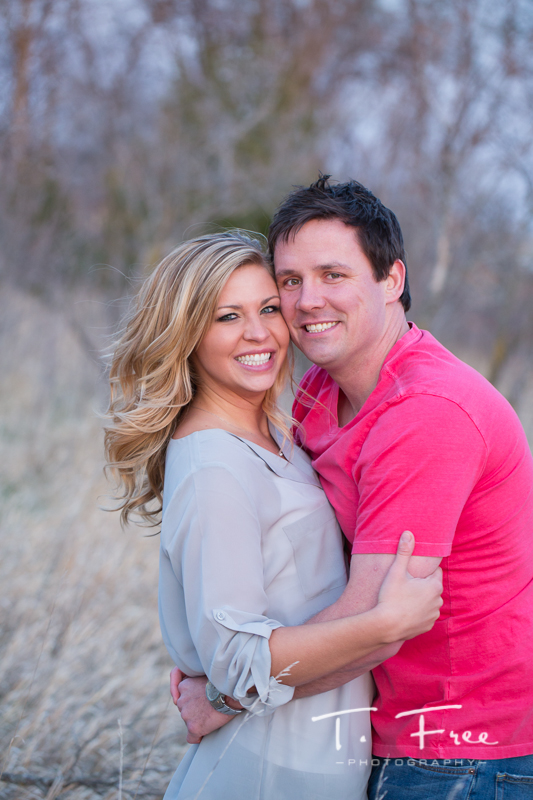 1404_t_free_photography_outdoor_elkhorn_engagement_019