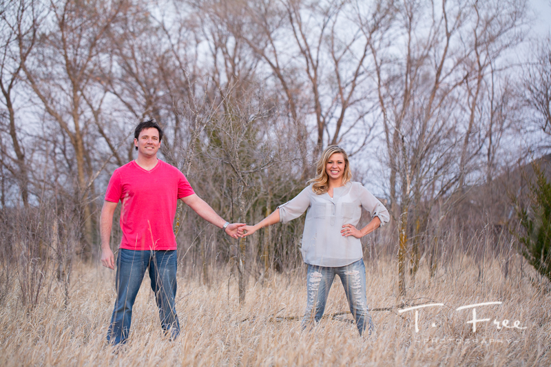 1404_t_free_photography_outdoor_elkhorn_engagement_020