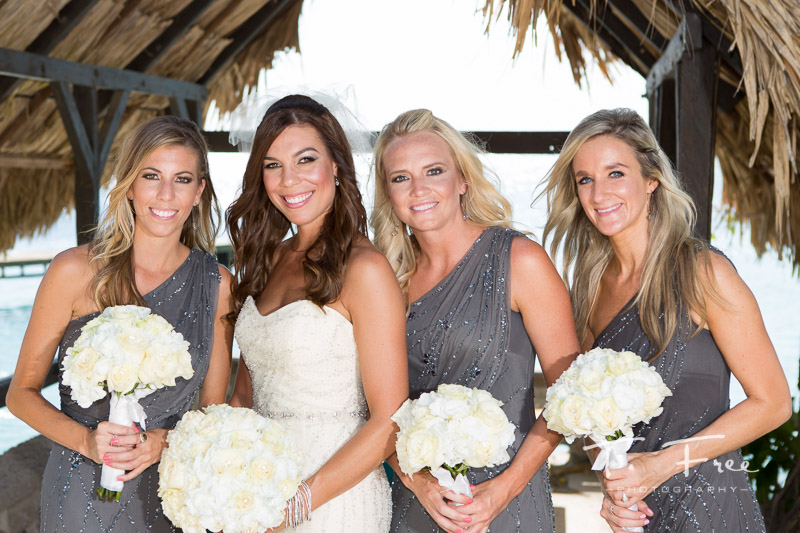 Curaçao destination wedding photographer bridesmaids.