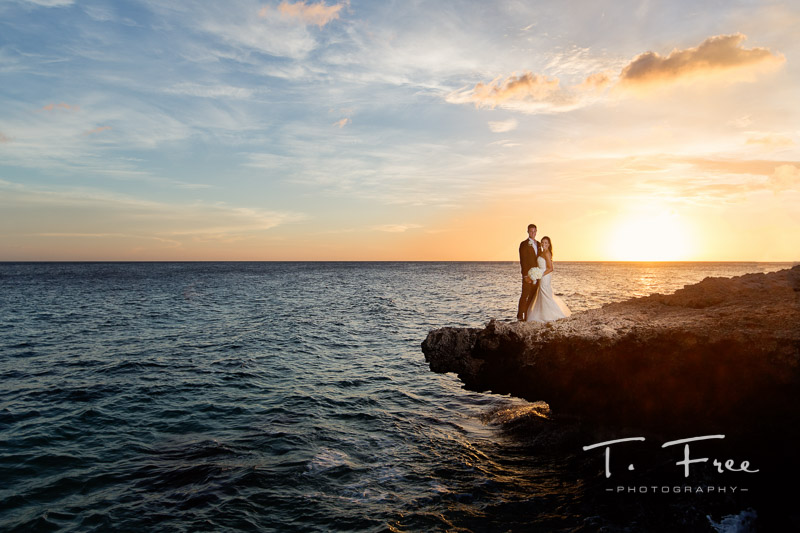 Destination wedding photographer in Curaçao.