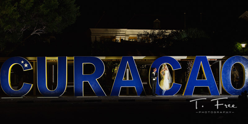 Curaçao sign wedding photographer.